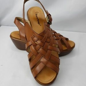 Bare Trap Dayna Sandals Size 8 Brown.